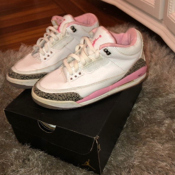 the latest ee7ed 16570 Air Jordan 3 Retro women shoes in white and pink